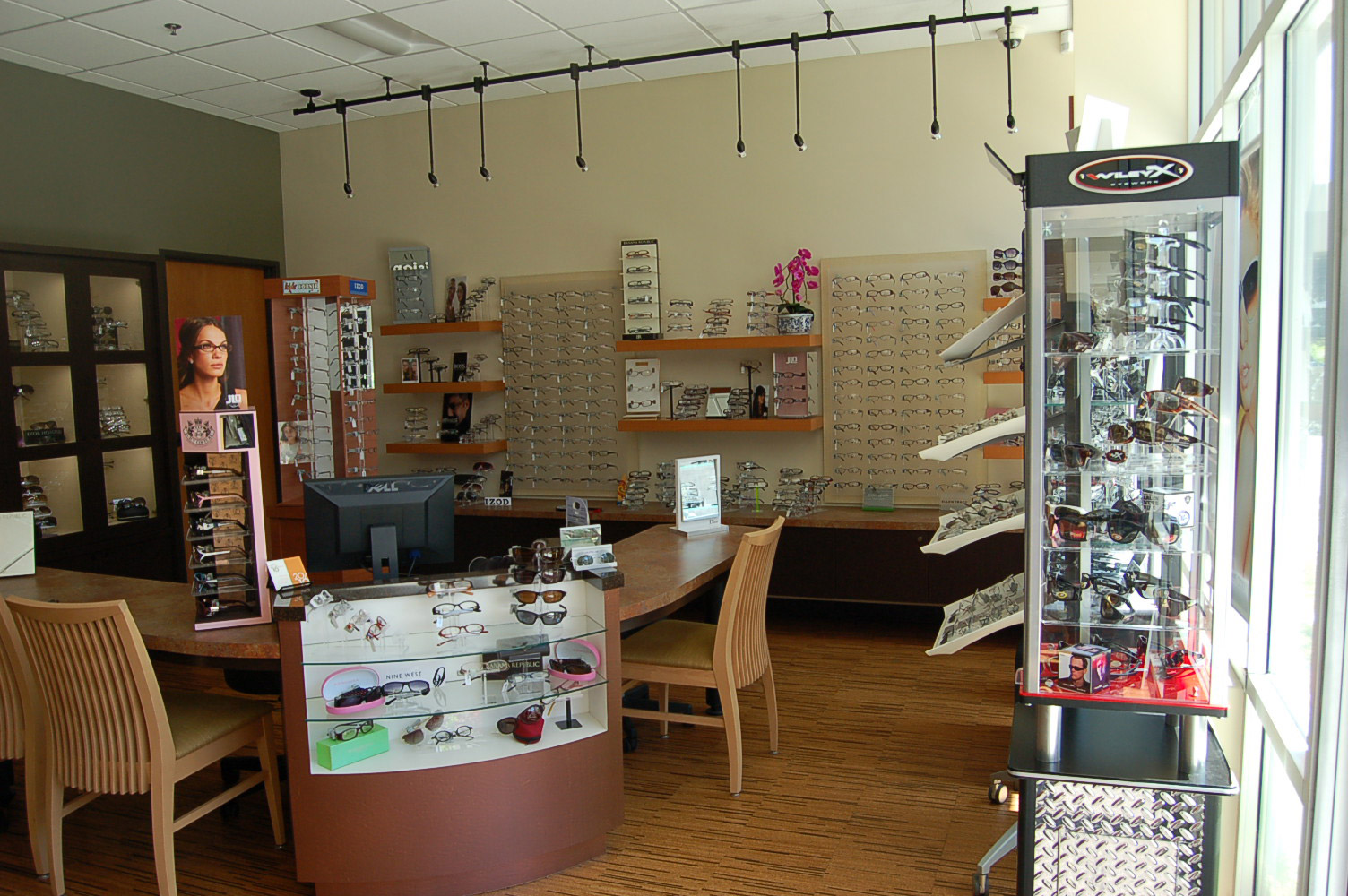 20-10 Vision Care showroom